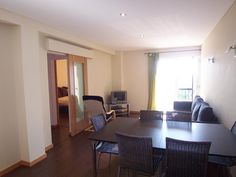 Apartamento  T2 / Albufeira, Albufeira - T2 totalmente remodelado, mobilado e equipado. A menos de 100 metros da praia.