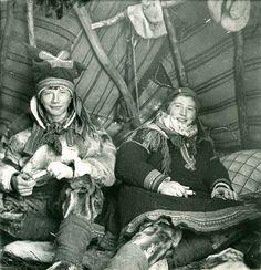 Samiske barn. Bror og søster. Sami Children, brother and sister. Finnmark, Norway. Photo by Preus Museum, 2012 by saamiblog, via Flickr