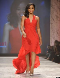 Gabrielle Douglas Photos - Gabrielle Douglas wearing Pamella Roland on the runway during The Heart Truth 2013 Fashion Show held at the Hammerstein Ballroom on February 2013 in New York City. - The Heart Truth 2013 Fashion Show Runway Fashion, Fashion Show, Gabby Douglas, Toni Braxton, Ebony Beauty, Hot Dress, Amazing Women, Catwalk, The Help