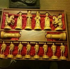 60-70's VINTAGE ANRI ITALIAN HAND MADE WOOD CARVED MONSALVAT CHESS SET W/BOX