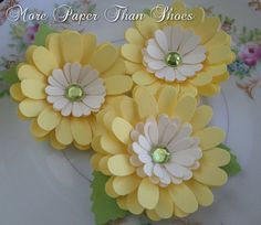 Items similar to Paper Flowers - Daisy - Yellow and White  - Weddings - Party Favors - Custom Colors Available on Etsy