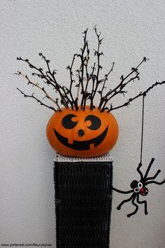 Décoration Halloween avec les enfants. http://pinterest.com/fleurysylvie/mes-creas-pour-les-kids/