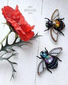 """451 Likes, 26 Comments - Anna Lazka jewellery (@anna_lazka_83) on Instagram: """"Взяла бубен, пчёл - ушла встречать весну. А тем временем - новые жужалки. Хоть шаблон их и…"""""""