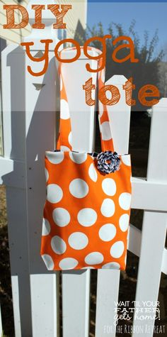 Follow this simple tutorial to sew a lined yoga tote for your latest trip to the gym via www.waittilyourfathergetshome.com #tote #linedtote ...