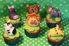 LA BORBOLETA dulcería: Cupcakes de animales de la selva Safari, Dani, Desserts, Food, Butterfly, Party, Barnyard Cupcakes, Animals Of The Rainforest, Tailgate Desserts