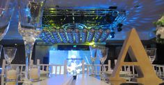 Colchón de Esferas Espejadas en el Centro de la Pista. Mucho brillo y originalidad para una fiesta sofisticada y con estilo.