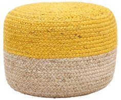 Ein kleiner Farbklecks kann schon viel bewirken – zum Beispiel Ihrem Interieur einen erfrischenden Look schenken. Pouf BONO ist so ein Prachtexemplar, das mit seinem zweifarbigen Design in Gelb und Hellbraun fröhliche Akzente setzt. Machen Sie BONO mit seinen geflochtenen Hanffasern zum Hingucker und platzieren Sie den Pouf gut sichtbar neben Ihrem Sessel oder dem Couchtisch!