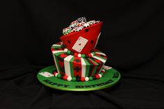 A cake for a poker player? Why not making a poker themed cake? Here's a gallery, where you can find all sorts of decorating ideas for the mostbeautiful and gorgeous card and poker themed cakes. Vegas Cake, Poker Cake, Birthday Card Design, Card Birthday, My Husband Birthday, White Chocolate Ganache, Casino Cakes, Cupcakes, Cake Toppings