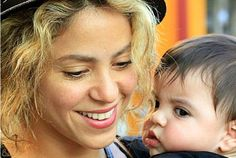 Salma, Shakira, Penelope Cruz, Paulina Rubio and many others are waiting until their 30s and 40s to become part of the mommy club.