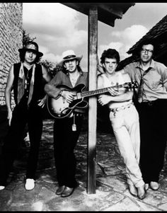 http://m.ebay.fr/itm/Stevie-Ray-Vaughan-8x10-Photo-With-Guitar-And-Group-/191844899041?hash=item2caad8d8e1%3Ag%3AOfkAAOSwy5ZXCC~2&_trkparms=pageci%253A5260a522-865f-11e7-bd0c-74dbd1808341%257Cparentrq%253A046f61c415e0aa12e18d28b6fff38066%257Ciid%253A4