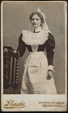 +~+~ Antique Photograph ~+~+  Edwardian House Maid.