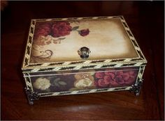 Altered cigar box by Angie Altered Cigar Boxes, Altered Tins, Altered Art, Cigar Box Projects, Cigar Box Crafts, Art Projects, Cigar Box Art, Cigar Box Purse, Creative Box