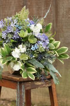 Asymmetric bridal bouquet by wedding florist Floral Verde LLC in Cincinnati… Fake Flowers, Amazing Flowers, Beautiful Flowers, Beautiful Flower Arrangements, Floral Arrangements, August Centerpieces, Wedding Centerpieces, Fern Bouquet, Early Spring Wedding