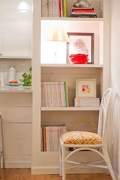 Aprende a decorar estanterias 5