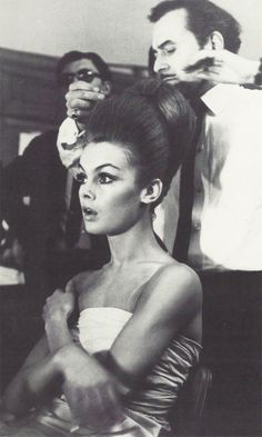 flipyourwig:    the60sbazaar:    Jean Shrimpton has her hair done by celebrity hairdresser Leonard    I'm loving all these pictures of celebrities being styled. So good.