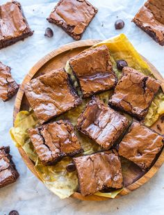 Ooey, gooey fudgy Chickpea Brownies complete with a decadent chocolate centre and the perfect crackly top   #GlutenFree + #Vegan#brownies #aquafaba
