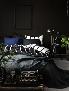 Rooms in black