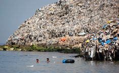 We are Trashing our planet…. - We are Trashing our planet…. Save Planet Earth, Save Our Earth, Love The Earth, Our Planet, Ocean Garbage Patch, Great Pacific Garbage Patch, Ocean Pollution, Plastic Pollution, Save Our Oceans