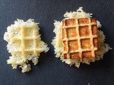 Non ci avremmo mai pensato a una ricetta così. Tofu e riso in forma di waffle! Li avete mai provati?