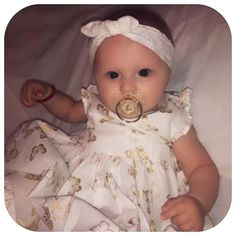 Super adorable baby! Check out our top infant fans of LIORE'e sparkly baby pacifiers and gift set accessories on our Instagram @shoplioree #babies #infants #blingpacifier #pacifiers #sparklepacifiers Newborn Gifts, Baby Gifts, Bling Pacifier, Baby Pacifiers, Baby Swag, Baby Christmas Gifts, Baby Boutique, Baby Registry, Baby Essentials
