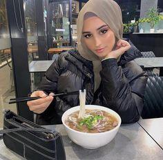 Hijabi Girl, Girl Hijab, Hijab Outfit, Modest Fashion Hijab, Modern Hijab Fashion, Turban, Head Scarf Styles, Insta Photo Ideas, Muslim Girls