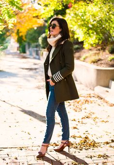 October Autumn Road by Classy Girls Wear Pearl Classy Winter Outfits, Preppy Outfits, Preppy Style Winter, Stylish Outfits, Fall Outfits, Travel Outfits, Autumn Style, Work Outfits, Mantel Beige