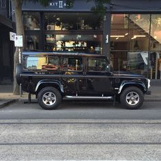 Melbourne car spotting  #melbournecarspotting #landrover #defendersvx #svx #landroverdefender #60thanniversary #limitededition #defender #defender110 #melbourne #victoria by st_christophorus Melbourne car spotting  #melbournecarspotting #landrover #defendersvx #svx #landroverdefender #60thanniversary #limitededition #defender #defender110 #melbourne #victoria