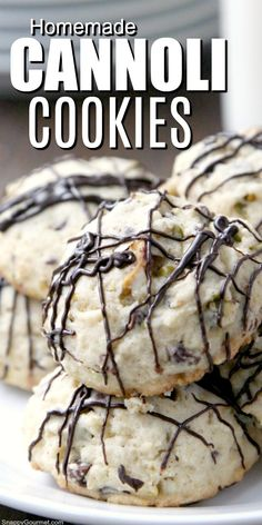 Homemade Cannoli Cookies recipe, an easy cookie recipe inspired by the popular Italian cannoli pastry. Always so POPULAR! Homemade Cannoli Cookies recipe, an easy cookie recipe inspired by the popular Italian cannoli pastry. Always so POPULAR! Italian Cookie Recipes, Italian Cookies, Best Cookie Recipes, Baking Recipes, Italian Ricotta Cookies, Italian Desserts, Best Christmas Cookie Recipes, Lemon Ricotta Cookies, Cookie Recipes From Scratch