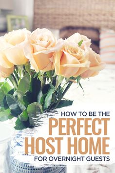 How to Be the Perfect Host Home for Overnight Guests – The little thins – Event planning, Personal celebration, Hosting occasions Guest Welcome Baskets, Guest Basket, Airbnb Host, Boho Home, Romantic Dinners, Host A Party, Homemaking, Decoration, Event Planning