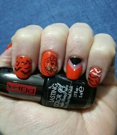 New Halloween Nail Art #Pupacolorgel #nailart #halloween #smalti #smaltoemascara