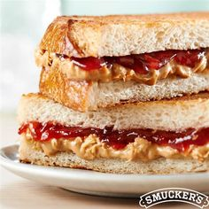 Heat up lunch time with a Grilled PB&J from Smucker's®! This recipe is sure to be a new lunch time favorite!