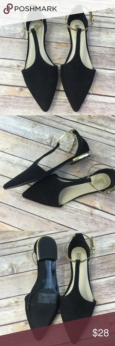 Pointed Toe Flat Metallic Gold t-strap D'orsay New. Never worn. Cute stylish must have comfy flats. Forever 21 Shoes Flats & Loafers