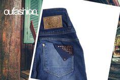 Detalhes para transformar o jeans num objeto de design cheio de glam!  #oufashion #glam #jeans #denim