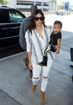 Kim Kardashian Photos: Kim Kardashian and Family at LAX