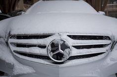 Jak to, že sníh dělá všechno veselejší? Muscle Cars, Best Luxury Cars, How To Make Snow, Mercedes Benz Logo, Chevrolet Logo, Museum, Babies, Snow, Sport Cars