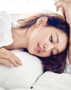 Eye Candy : Shin Min Ah for Marie Claire Korean Actresses, Korean Actors, Actors & Actresses, Stunning Girls, Stunningly Beautiful, Marie Claire, Shi Min Ah, Korean Celebrities, Celebs