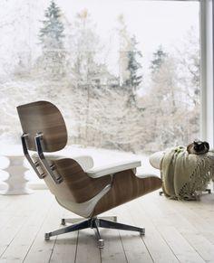 Zu jeder Jahreszeit ein absolutes Highlight. Der Eames Lounge chair Sessel von Vitra! http://www.flinders.de/vitra-eames-lounge-chair-sessel-weiss
