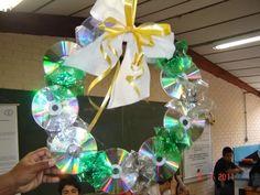 Faça lindas decorações de natal reutilizando materiais!