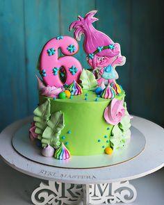 """Все сошли с ума от этих троллей в """"пятерочке"""" если сумма в чеке меньше 500( с копейками) нужно срочно взять что-то очень """"нужное"""", чтобы ещё более нужного тролля нам дали в подарок Может тоже акцию провести, при заказе торта с Розочкой, розочка из безе в подарок Прянички от @mariyalipp  #ryki_mastera #veraessen  #entrenafesta #desserts #dessert #food #foods #foodporn #instafood #sweet #sweets #mmm #foodgasm #delicious #foodforfoodies #sweettooth #chocolate #facsantos #cake #cakeide.."""