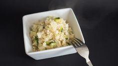 Blumenkohl Risotto mit Pilzen und Zucchini ➤ Eine leckere low-carb Alternative zu klassischem Risotto ➤ Gekocht mit guter Knochenbrühe und frischem Gemüse!