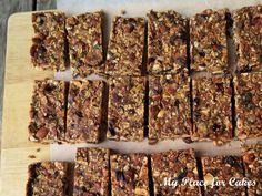 Müslibarer uden sukker - My Place for Cakes Healthy Bars, Healthy Snacks, Healthy Recipes, Musli Bars, Snack Bar, Muesli, Eat Cake, Clean Eating, Brunch