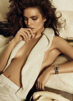 Emily DiDonato for Vogue Paris looks like u