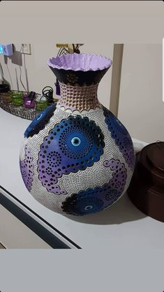 Diy And Crafts, Arts And Crafts, Decorative Gourds, Gourd Lamp, Pyrography, Lanterns, Ceramics, Artwork, Design