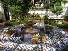 Foto de Missouri Botanical Garden, Saint Louis: Tile fountain in the Mediterranean area - Tripadvisor Missouri Botanical Garden, Mediterranean Garden, Style Tile, Grow Out, Growing Tree, St Louis, Places Ive Been, Trip Advisor, Fountain
