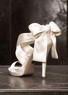 Vera Wang shoes- beautiful!