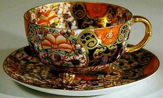 Porcelanowa filiżanka ze spodkiem do herbaty 3D.