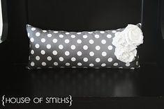 Fat Quarter Pillow Tutorial w/ HoS I Heart Nap Time | I Heart Nap Time - Easy recipes, DIY crafts, Homemaking
