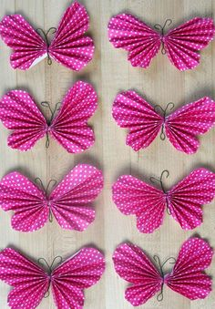 Butterflies are some of the most beautiful creatures in the great outdoors, but they can be hard to catch! Put away your net and try making these Easy Peasy Paper Butterflies. These sweet butterfly art projects are even easier than they look!