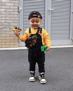 Toddler Boy Fashion, Little Boy Fashion, Toddler Boy Outfits, Baby Kids Clothes, Kids Fashion, Cute Little Girls Outfits, Cute Little Boys, Black Baby Boys, Cute Kids Pics