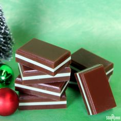 We saved something sweet for last for the final tutorial in the 12 Days of Christmas series. Layers of melt and pour scented with Moroccan Mint and Dark Rich Chocolate …